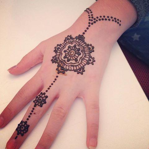 Henna design 2